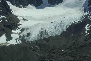 Glaciers_under_snow_scenics